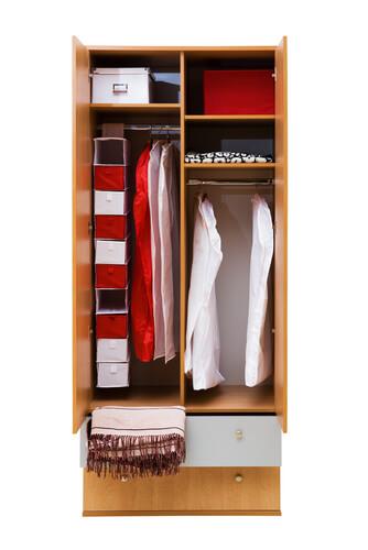 Clear Closet Clutter